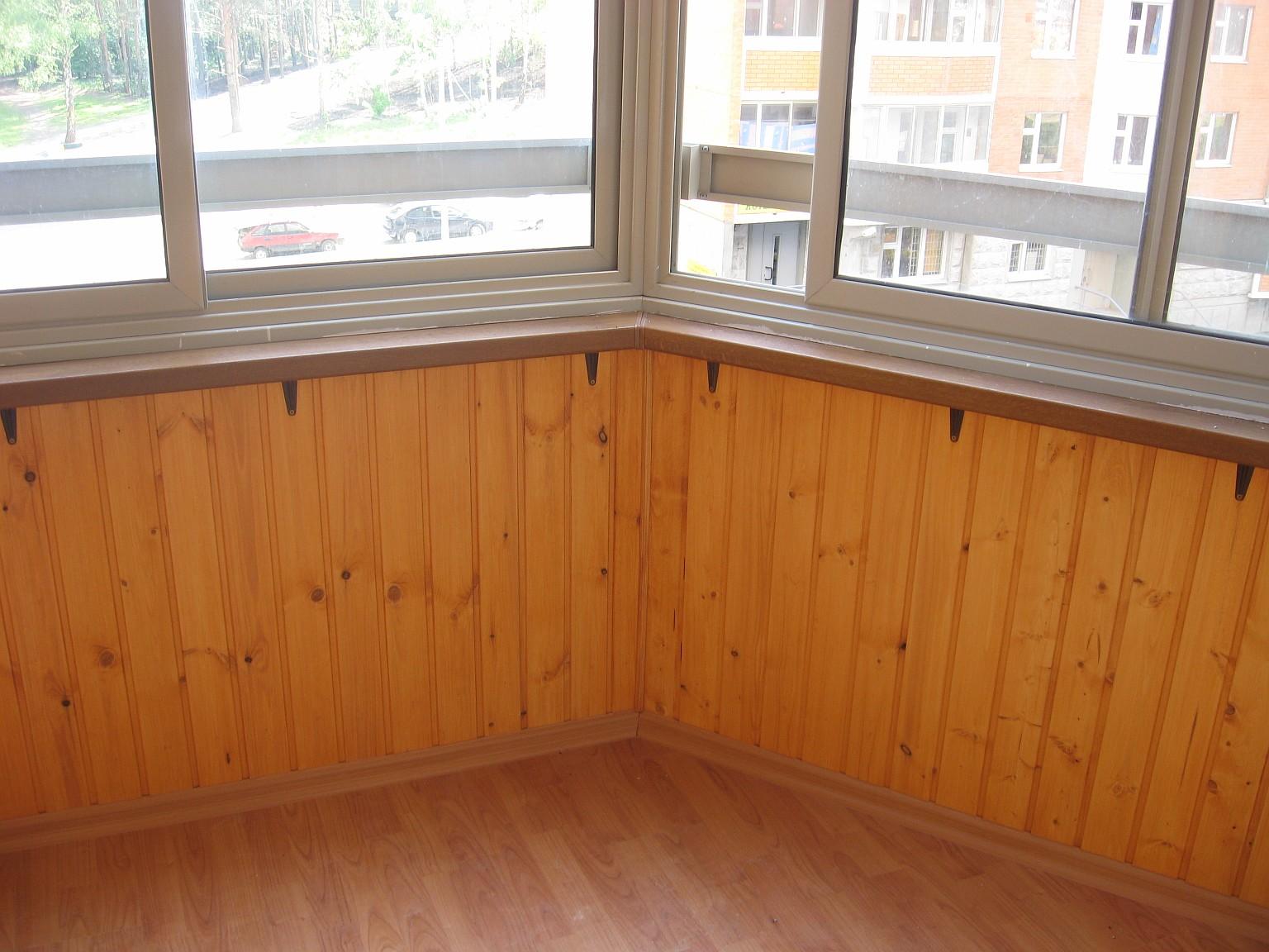 Дизайн балкона из вагонки: выбор материала, обшивка стен и с.